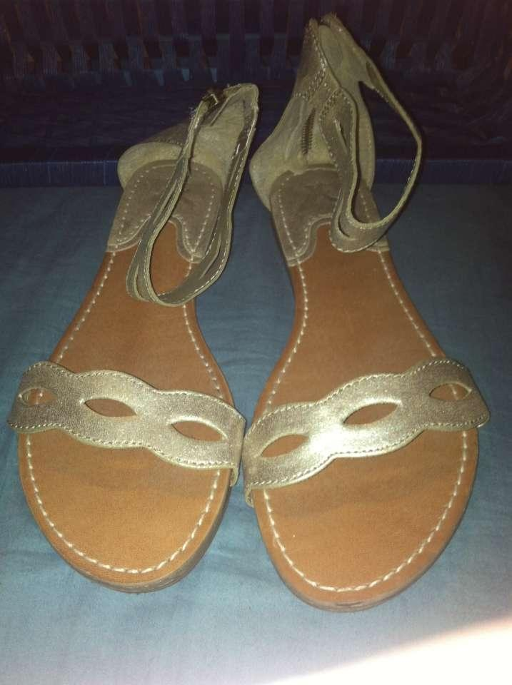 American Eagle Outfitters Gold Metallic Sandals 67 Off