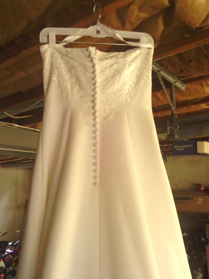 David 39 s bridal st tropez 5268 wedding dress tradesy for St tropez wedding dress