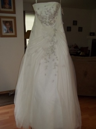 Monique Luo Style Cq100 Diamond White And Lavender Size 8 Wedding Dress