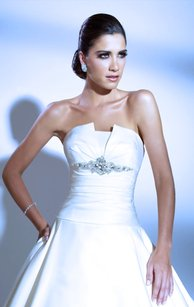 Jacquelin Exclusive 19862 Wedding Dress