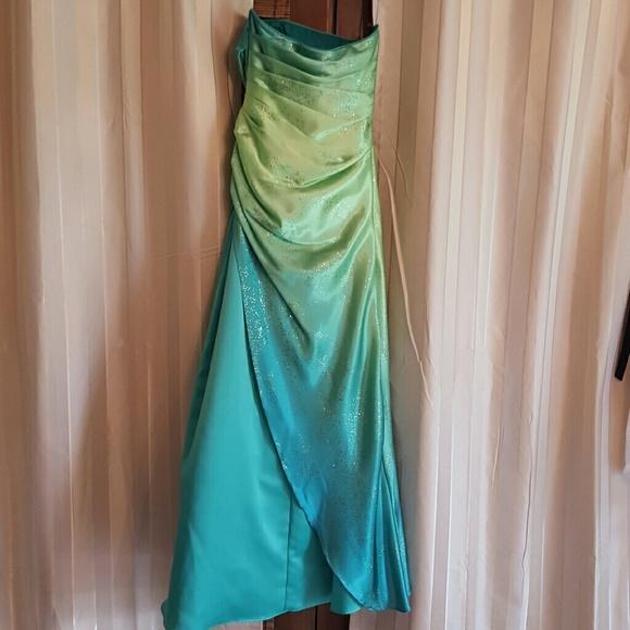 Jump Apparel Green Sparkle Ombre Strapless Prom Dress - 54% Off Retail