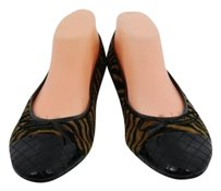 Karen Scott Layla Womens Black, Tan Flats