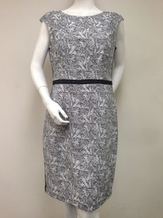 Kay Unger short dress White Black on Tradesy