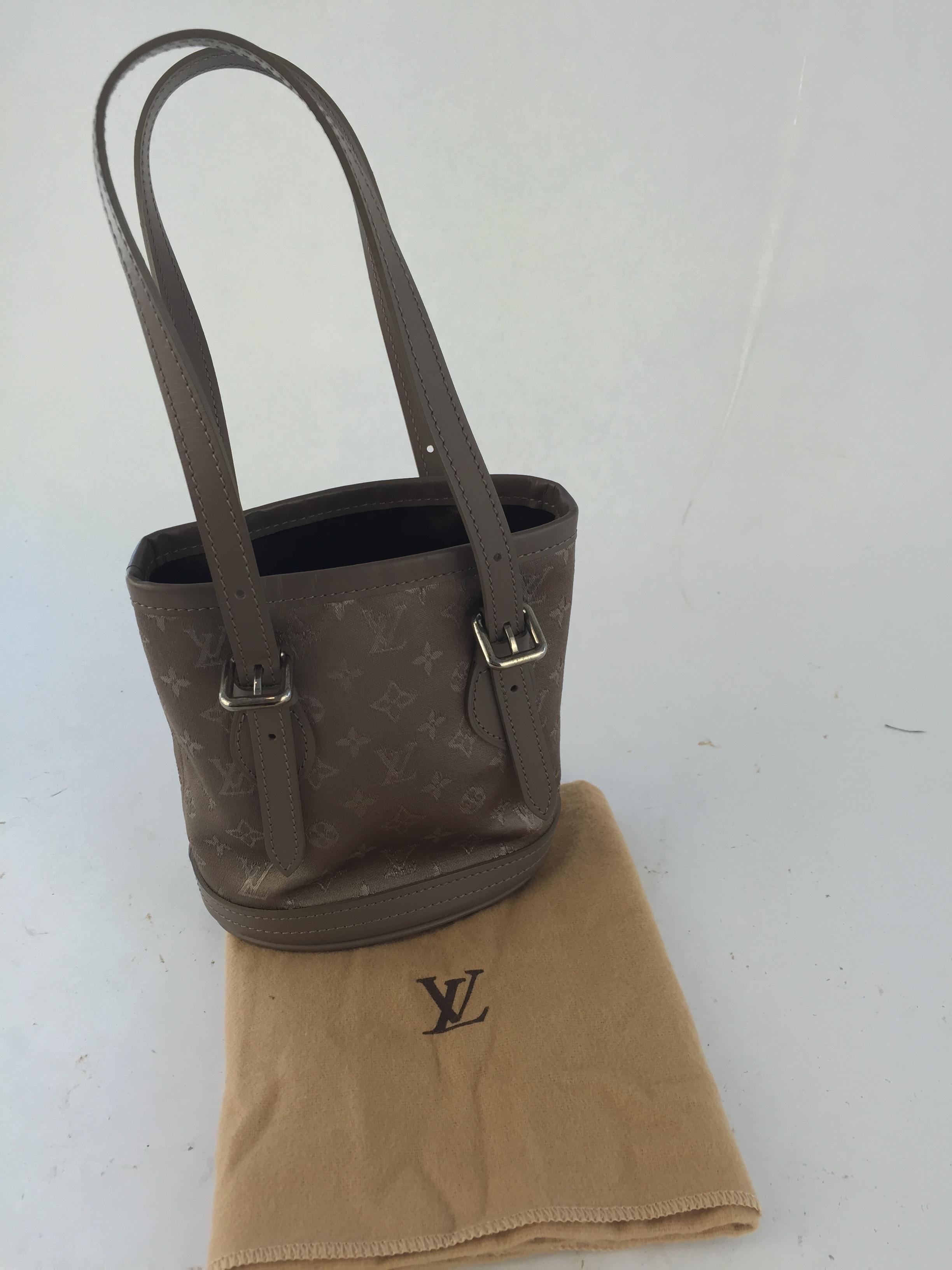 Louis Vuitton Taupe Monogram Satin Micro Mini Bucket Bag kWurH
