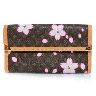 Louis Vuitton Brown/pink Clutch