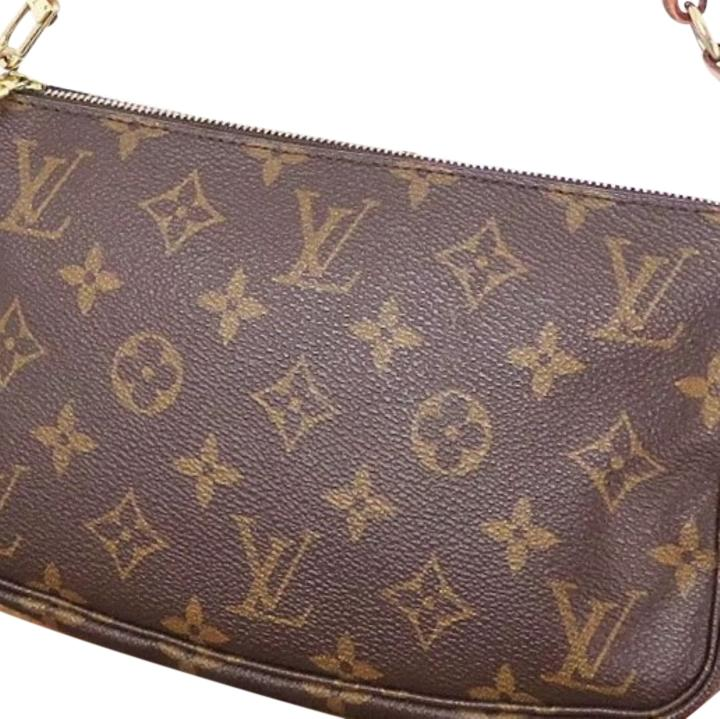 Louis Vuitton clutch/wristlet/makeup bag