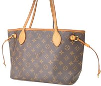 Louis Vuitton Mm Gm Chanel Burberry Gucci Shoulder Bag