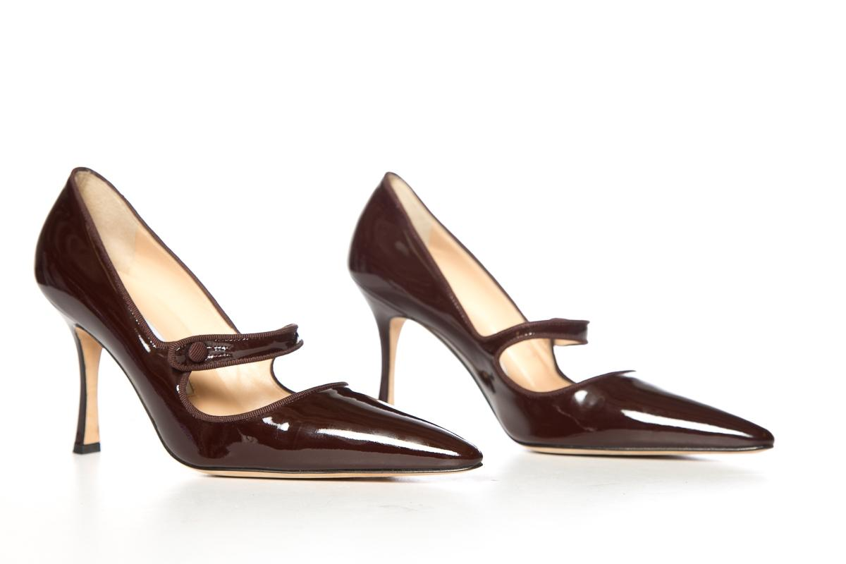 bd792a24fd43 ... Manolo Blahnik Chocolate Patent Patent Patent Leather Mary-jane Pumps  Size EU 38.5 (Approx ...