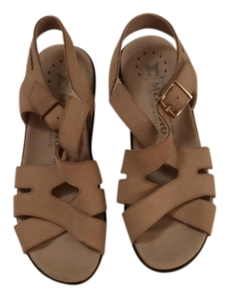 mephisto-buckle-sandals-tan-sandals
