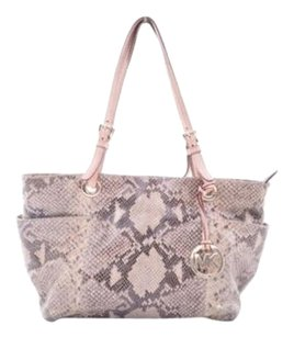 Michael Kors Jet Set Tote in Sand