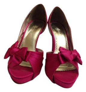Michelangelo Fushia Pumps