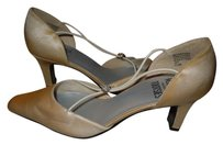 Mootsies Tootsies 7.5 Heels Gold Pumps