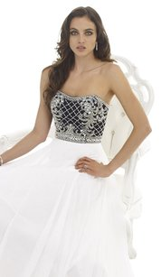 Morrell Maxie Size 4 White Prom Evening Dress