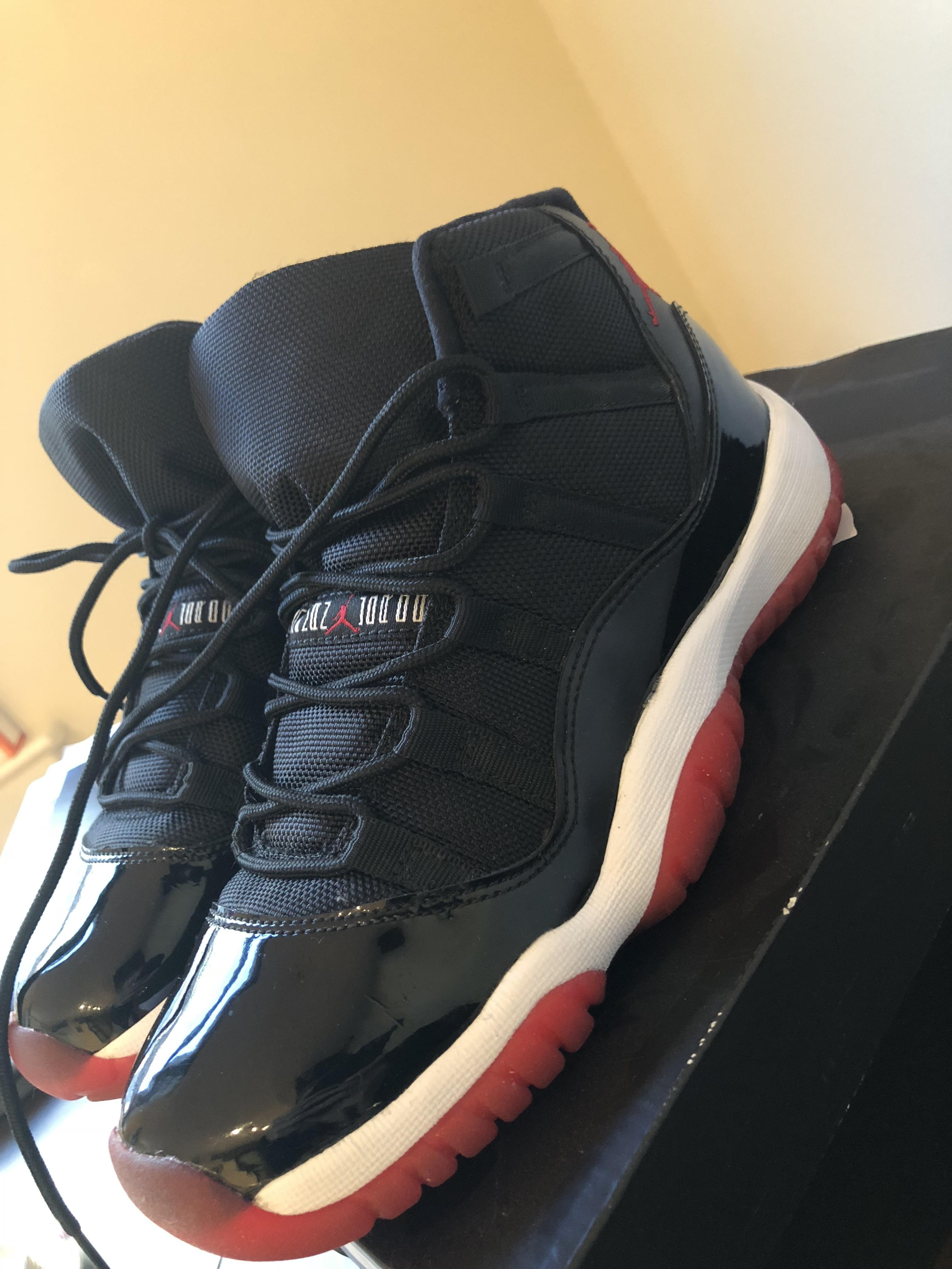 nike black red and white athletic. 123456789101112