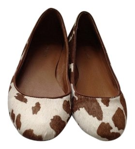Nine West Brown/White Flats
