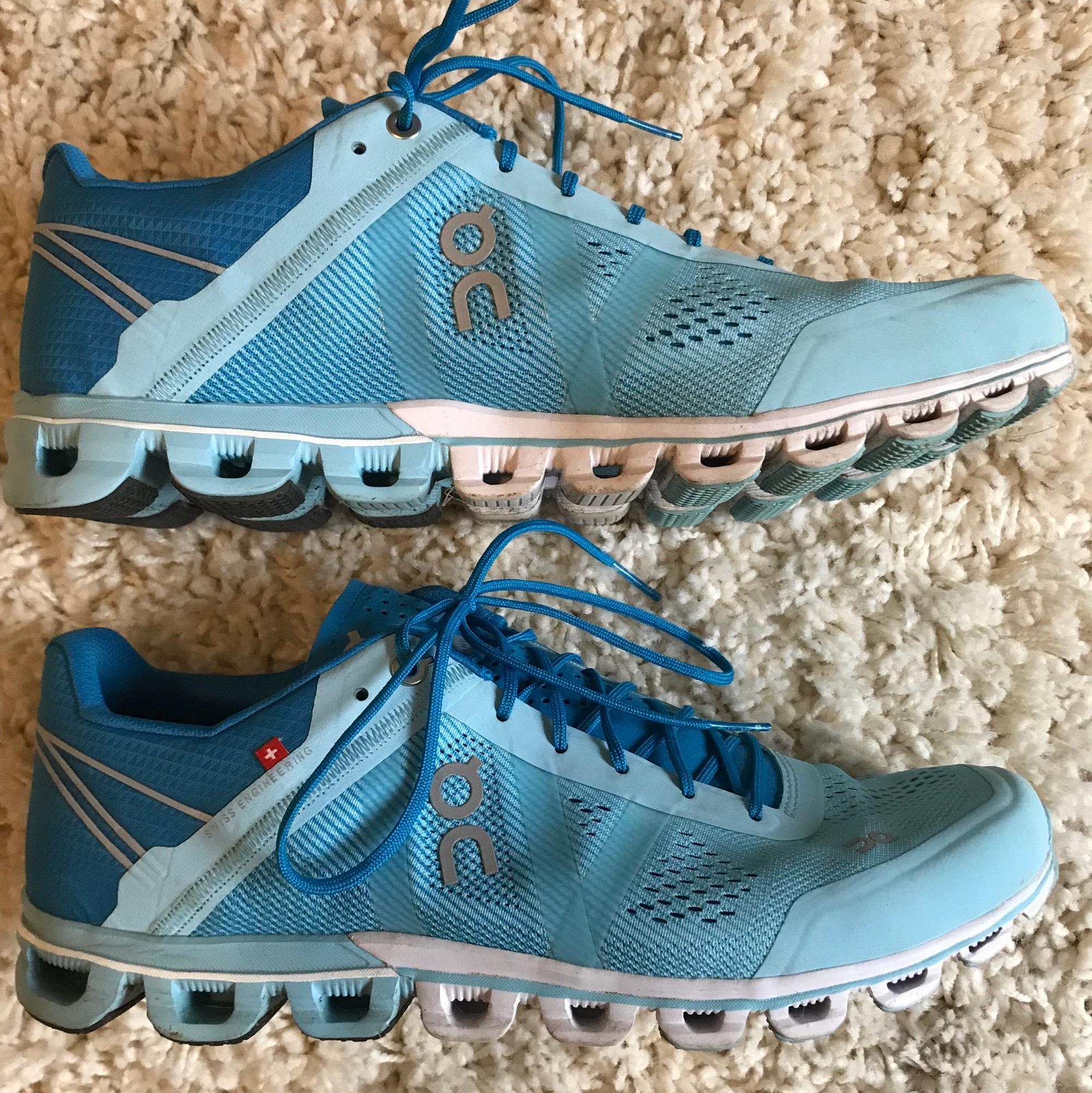 On Cloudflow  Running Shoes Reviews