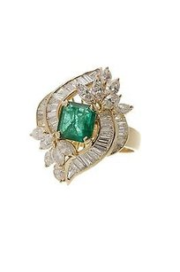 18k Yellow Gold Emerald Diamond Cocktail Ring Size 1