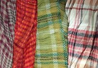 Other Boutique Lot Of Red Green Gray Peach Plaid Crinkle Fringed Edge Scarves B3275