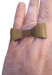 Other Brass colored ring of a bow-very unusual
