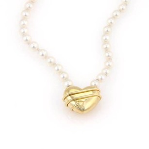 Tiffany Co. 18kt Yellow Gold Cupid Arrow Heart Pendant Pearl Necklace