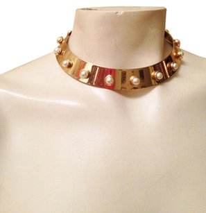 Unique gold and pearl choker