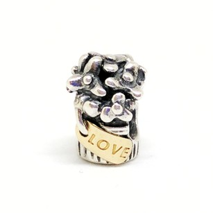 PANDORA Love Flower Bouget Charm