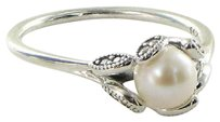PANDORA Pandora 190967p Ring 9.25 Luminous Leaves Pearl Cubic Zirconia 925