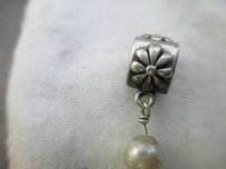 PANDORA Pandora Silver SIMPLE FLOWER Pearl Dangle Charm 790535P RETIRED
