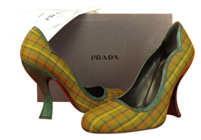Prada Green Tartan Plaid Snake Curve Heel Classic Pumps Size EU 35.5 (Approx. US 5.5) Regular (M, B)