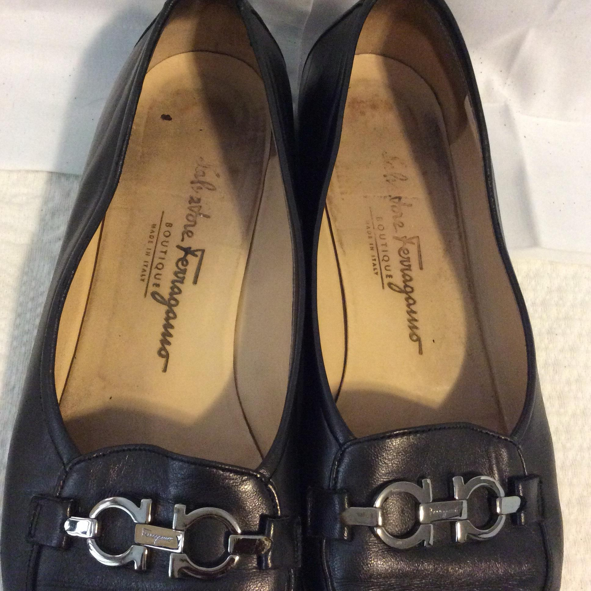 72f4b3b60 ... B Salvatore Salvatore Salvatore Ferragamo Black Logo Hardware Pumps Size  US 9.5 Regular (M