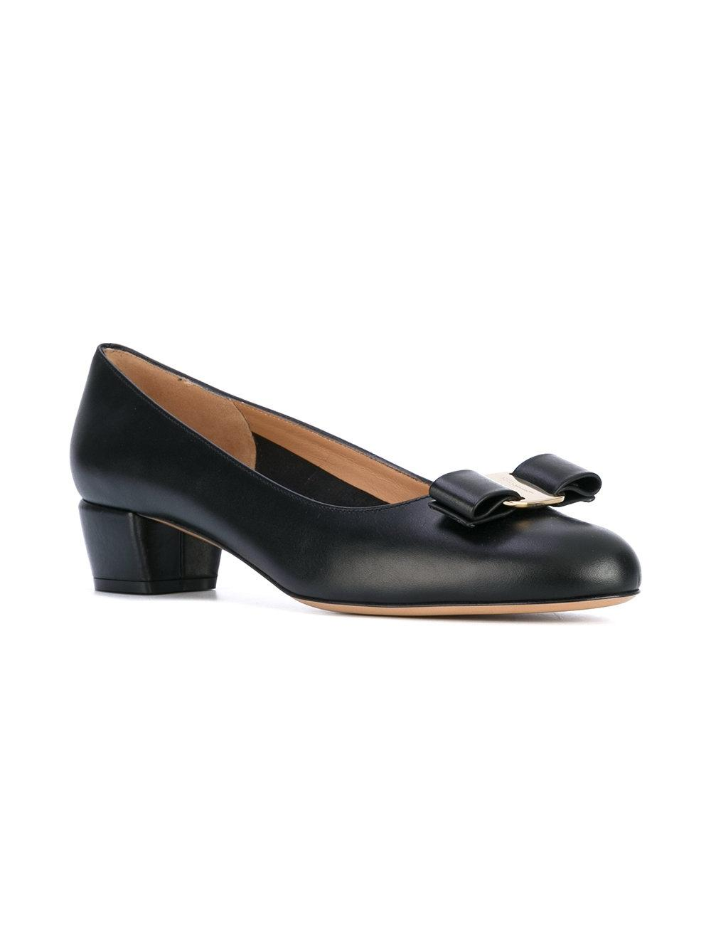 Salvatore Ferragamo Black New Vara Leather B Pumps Size US 8.5 Regular (M, B)