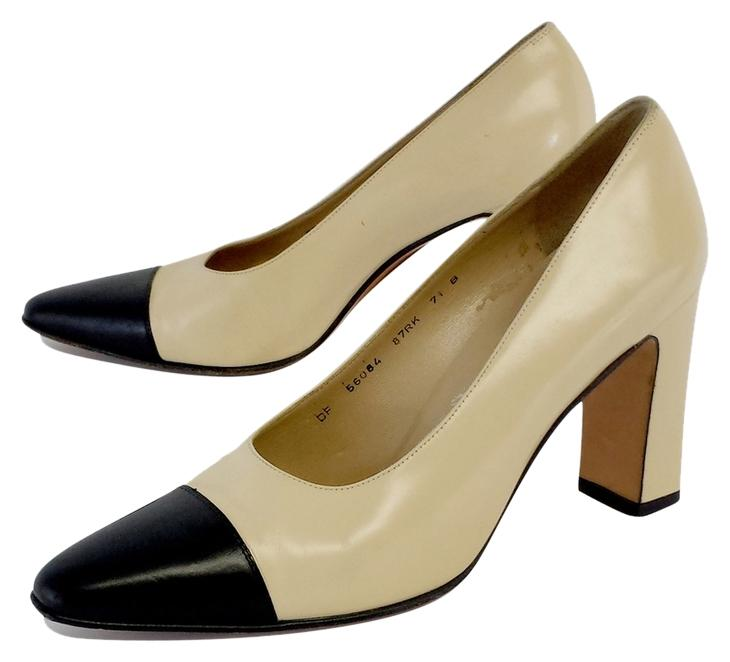 free shipping online Cheapest online Salvatore Ferragamo Gancini Cap-Toe Pumps free shipping cheap real clearance 100% original clearance sast WCHnZiTe