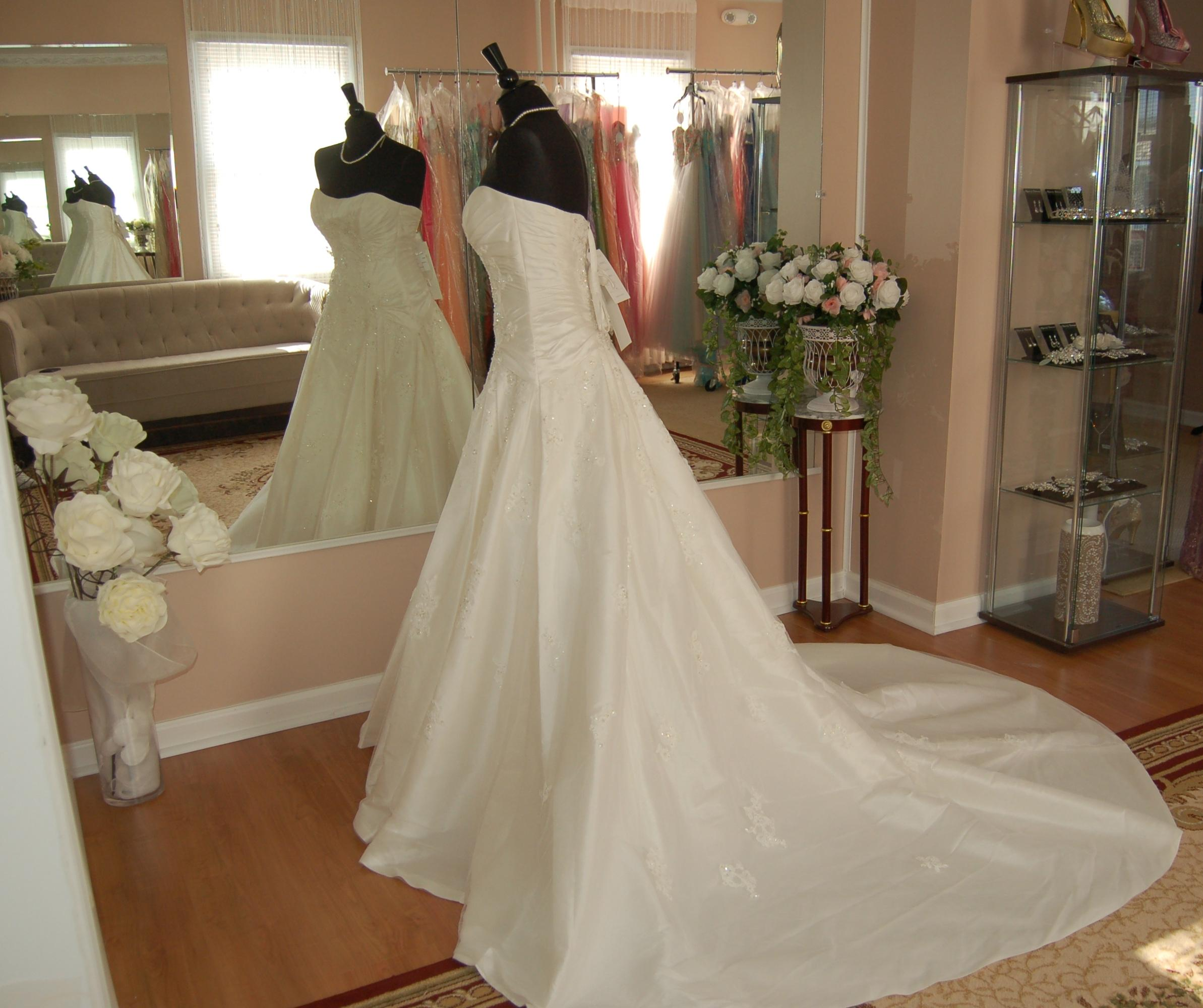Cost Of Sophia Tolli Wedding Gowns: Sophia Tolli Ivory Taffeta 21154 Ball Gown Wedding Dress