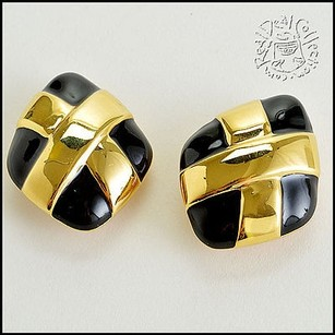 St. John Rdc5585 St. John Black Gold Kiss Clip-on Earrings
