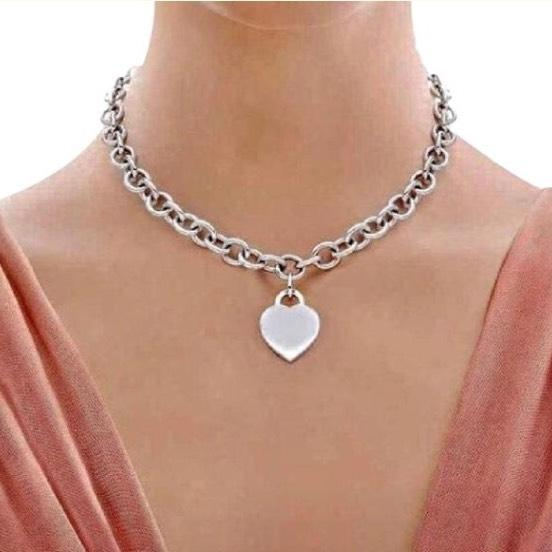 Tiffany silver necklace style to match what kind of clothes