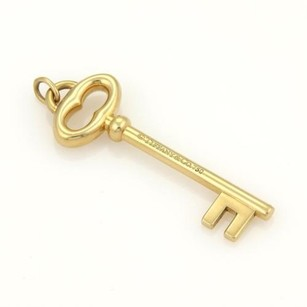 Tiffany & Co. Tiffany Co. Classic Oval Key Pendant In 18k Yellow Gold