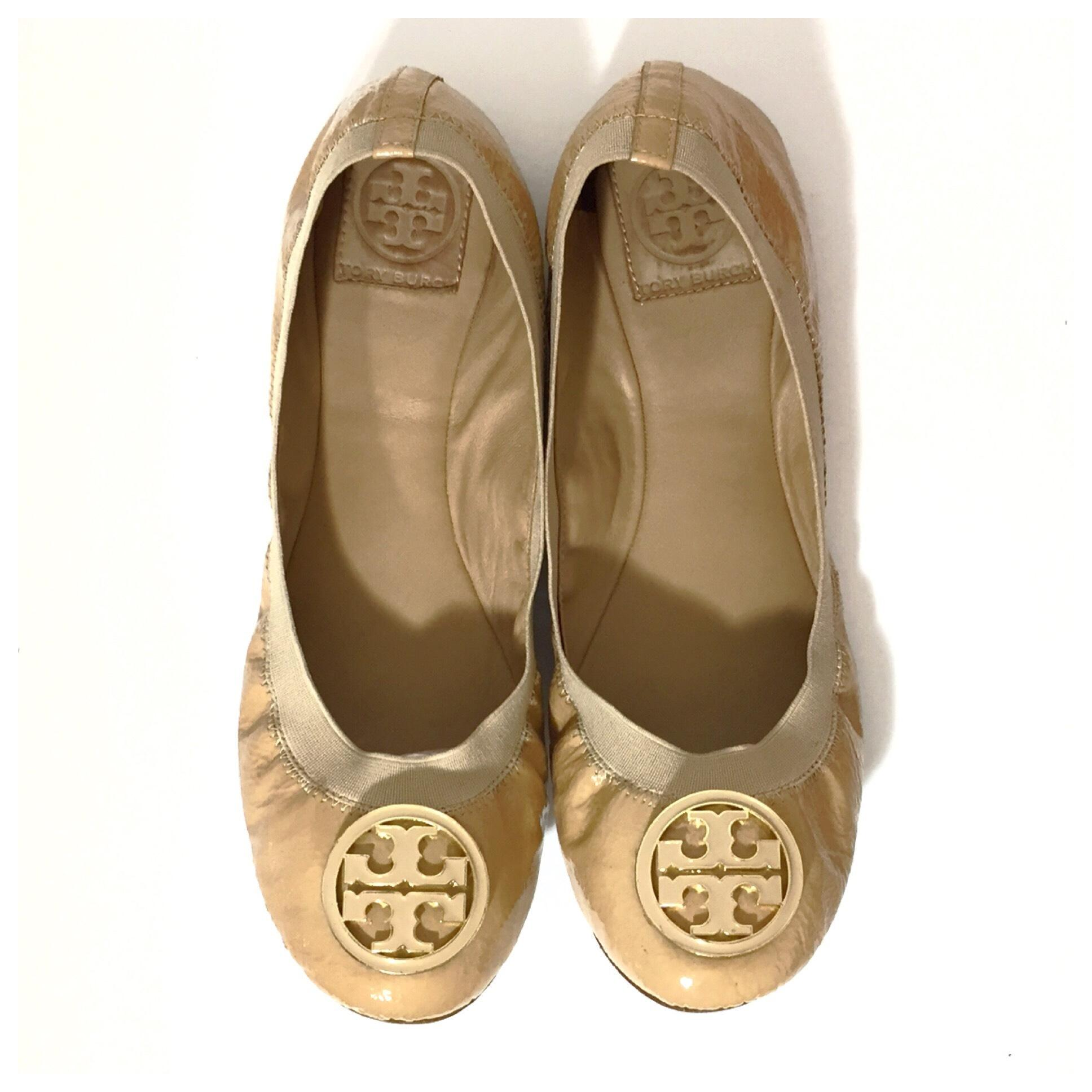 2998eda66 ... Tory Burch Camellia Camellia Camellia Pink Caroline Patent Leather  Ballet Gold Logo Flats Size US 10 ...