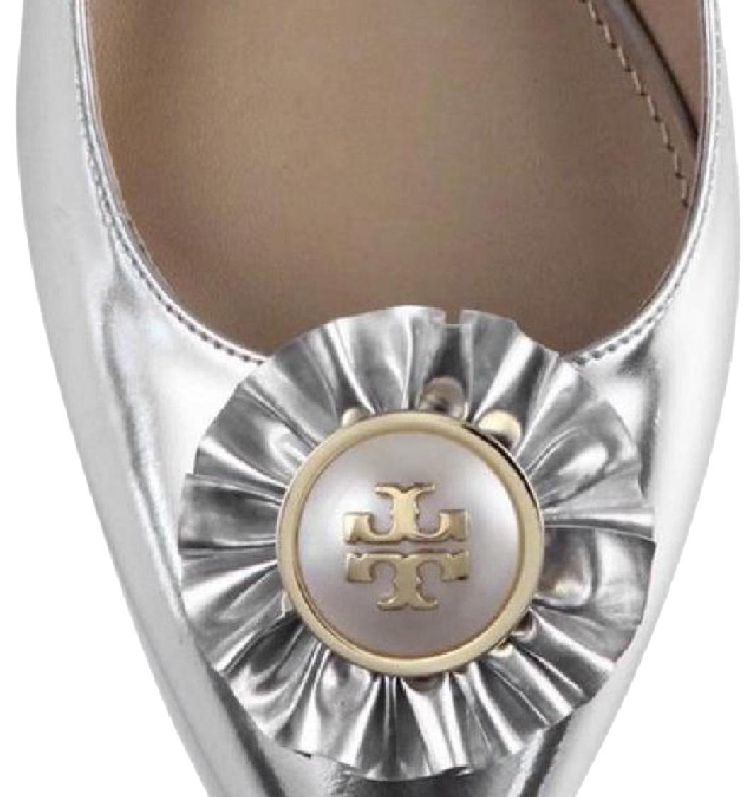 bc9808eed4f3d2 Tory Burch Silver Melody Flats Size US 8 8 8 Regular (M