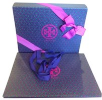 Tory Burch TORY BURCH Tory burch medium giftbox and shopping bag Measurements: 14 x 3.5 x 11 in.