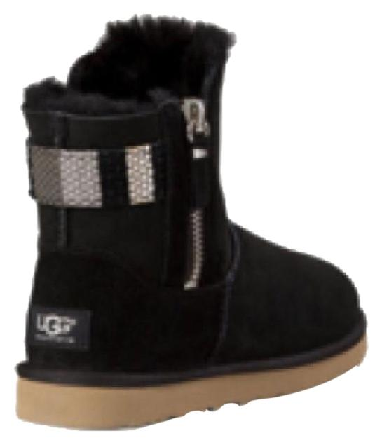 The latest Women's UGG® styles can be found here. Shop this season's newest selection of boots, shoes, slippers, and apparel in the women's collection of new arrivals.