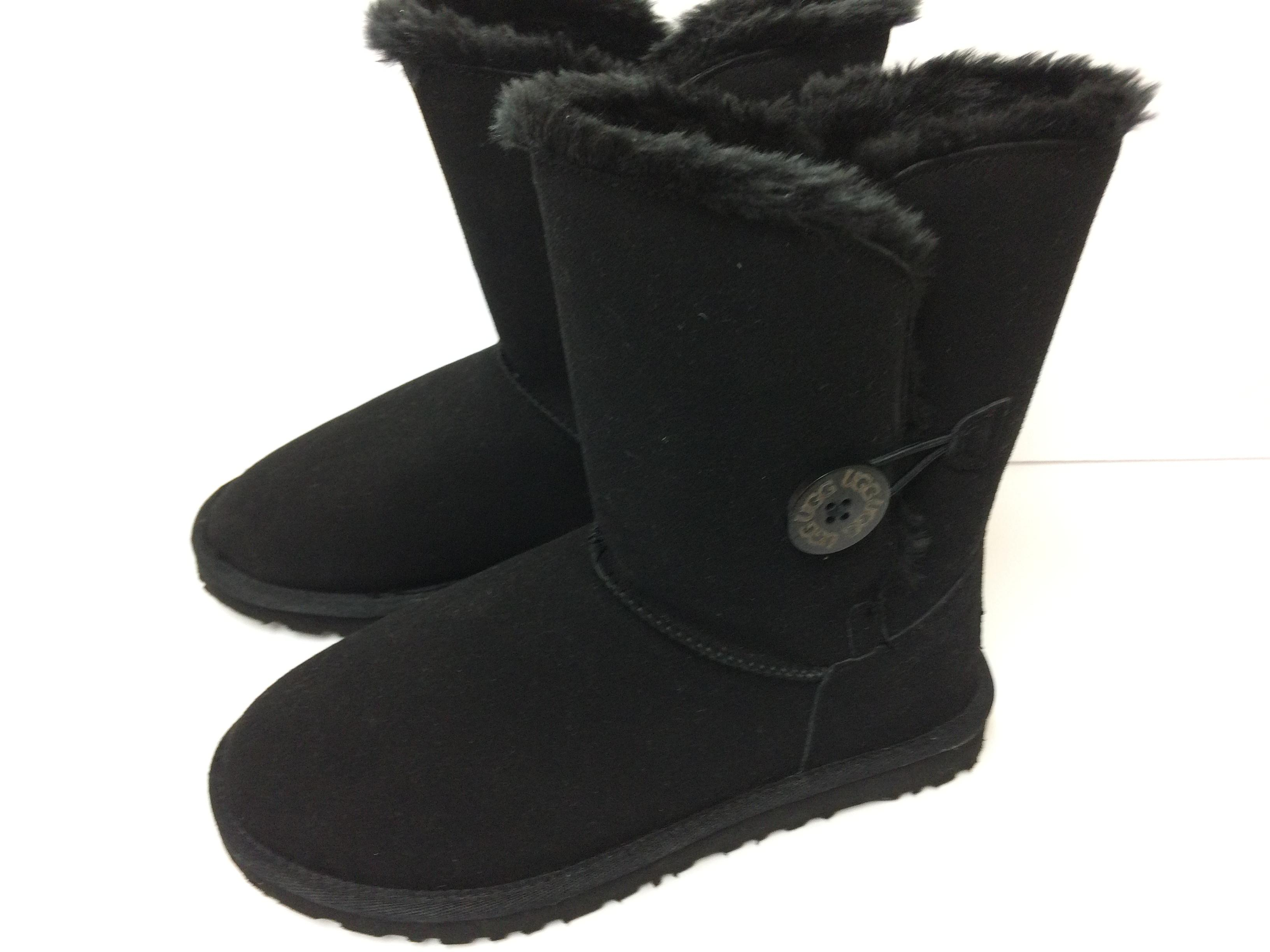 UGG Australia Elastic Loop Closure Engraved Button Suede/Sheepskin Water Resistant Uggs Black Boots