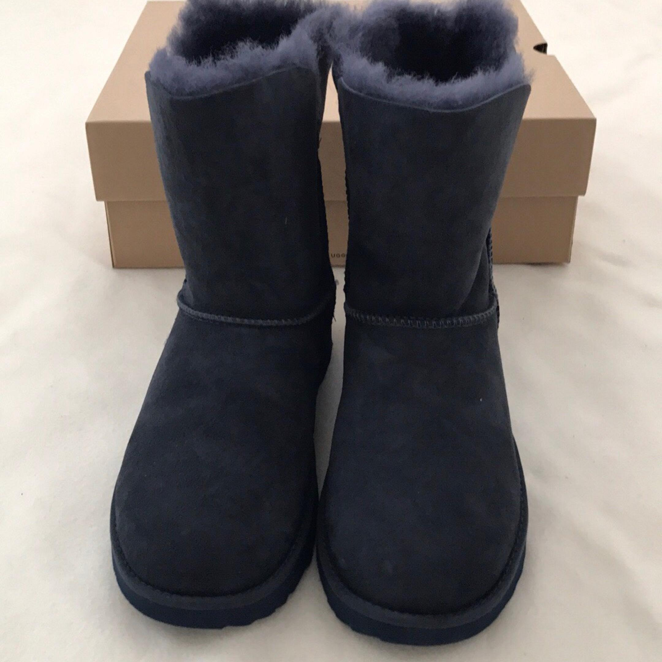 aa6afb1d641 Navy Korean American 3 Size Educational Commission Ugg Boots wxBwqfT