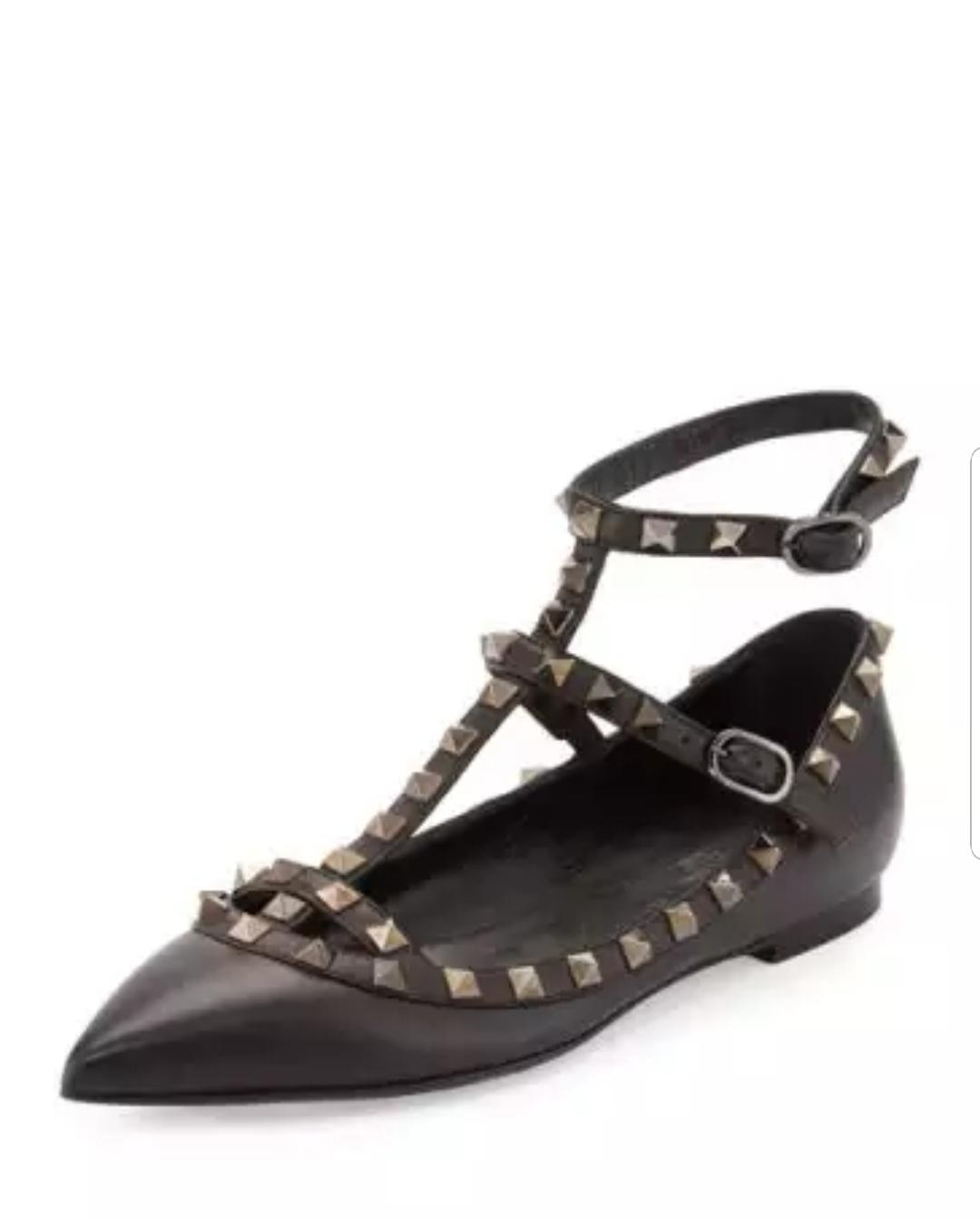 b0898f84ba16 Valentino Black Patent Leather Rockstud Cage Pointy - - - Flats Size EU 39  (Approx. US 9) Regular (M