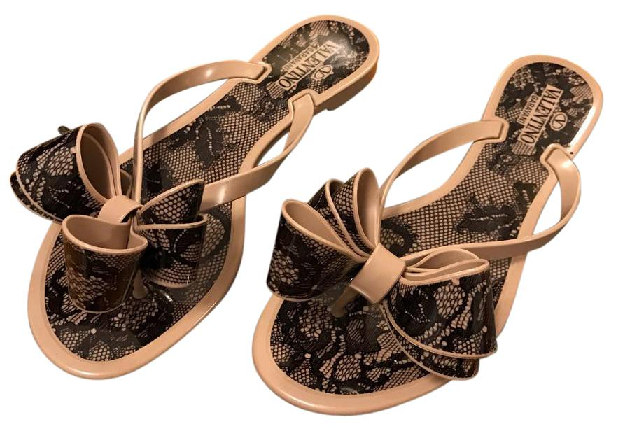 Valentino Lace-Print Bow Jelly Thong Sandal, Avorio/Nero