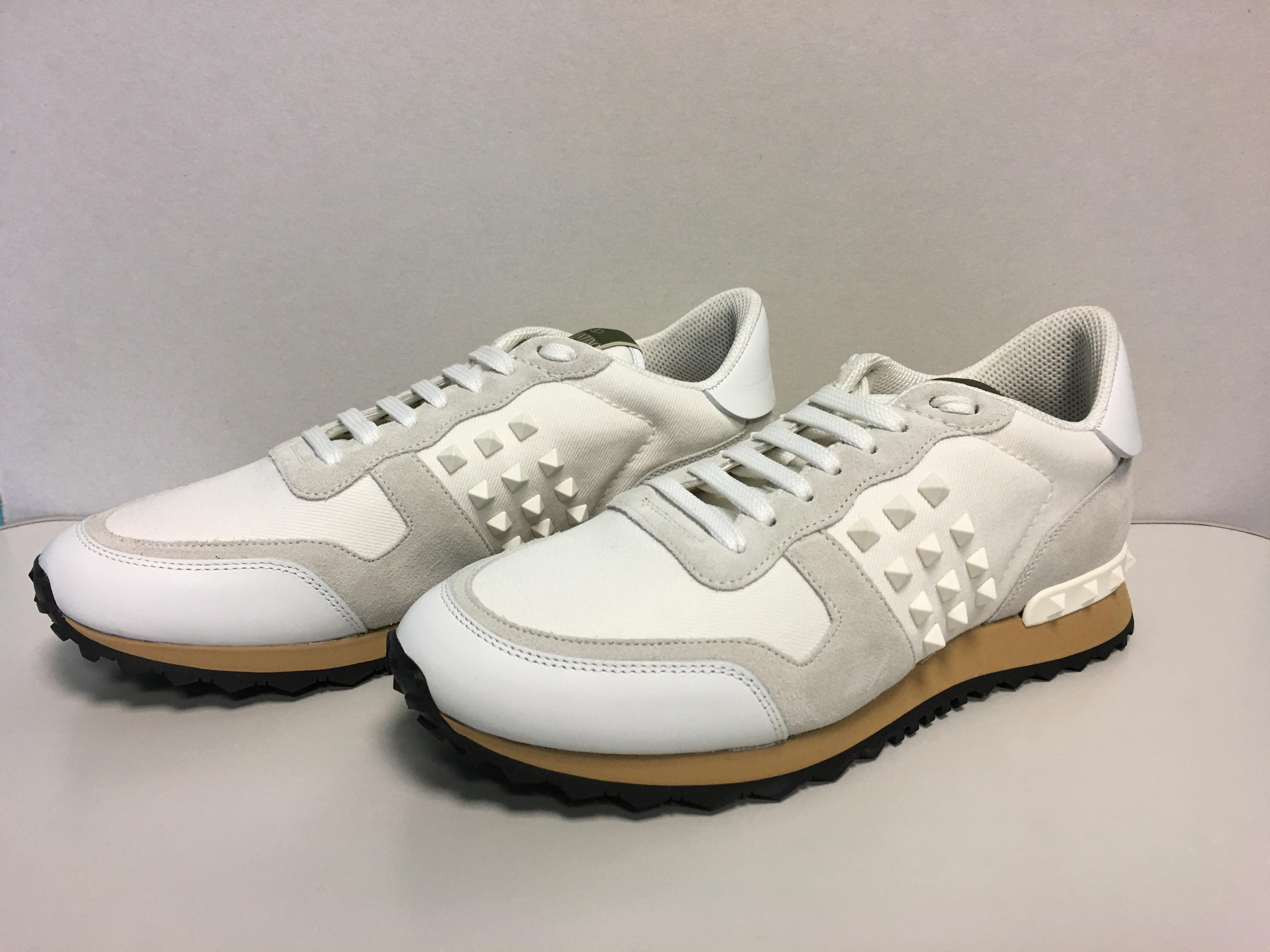 b69309f635ae ... Valentino White Mens Classic Rockrunner Rockrunner Rockrunner Low-top  Mesh and Leather Sneakers Trainer Sneakers ...