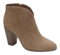 Vince Camuto Franell Notched WILD MUSHROO VERONA Boots