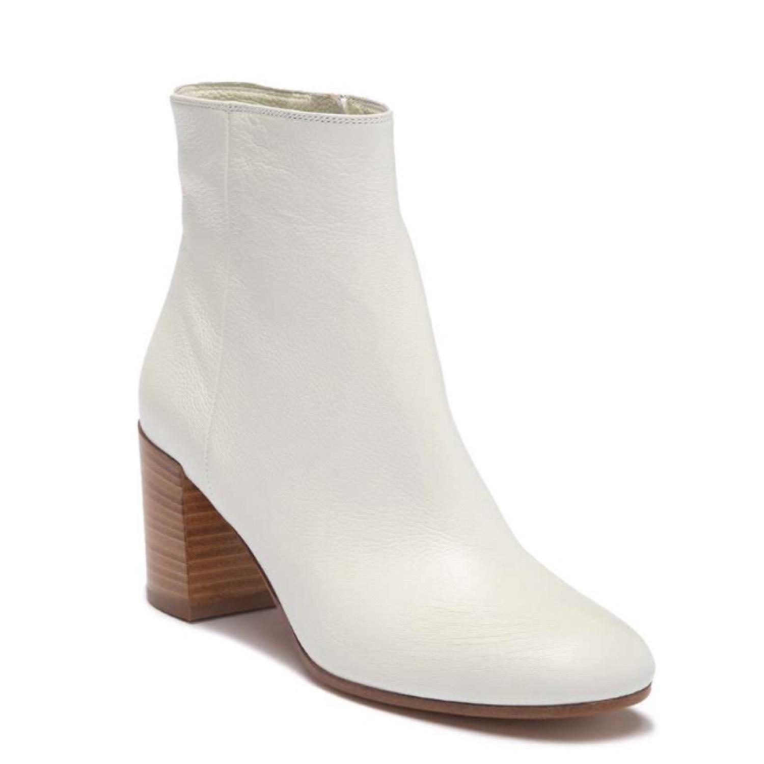 Vince White Leather Boots/Booties Size US 7 Regular (M, B)