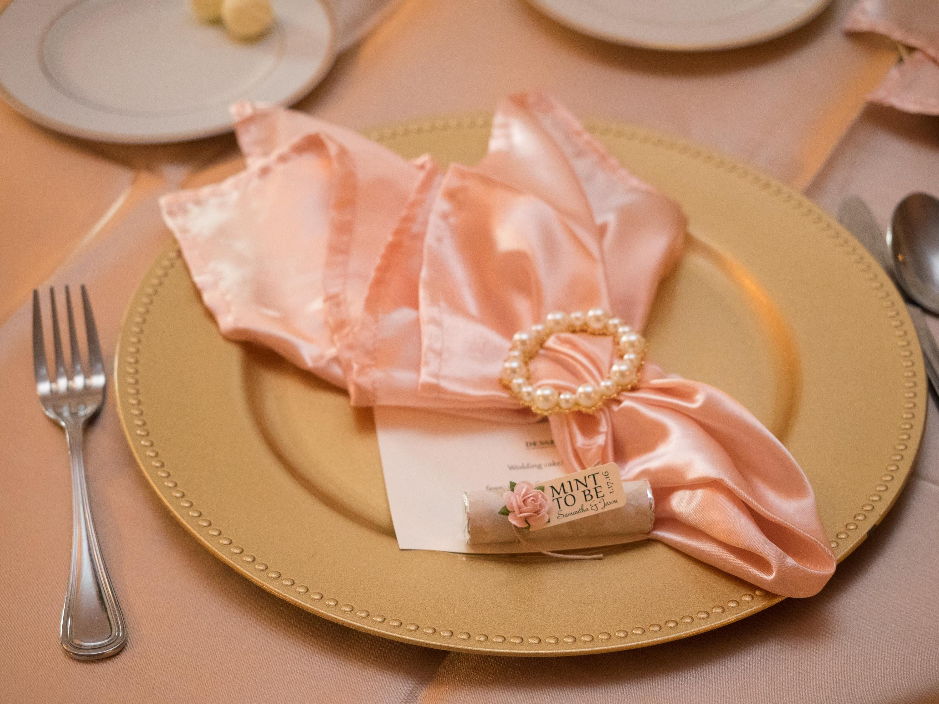 Merveilleux Wedding Linens Direct   Up To 85% Off At Tradesy